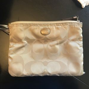 Coach Bags - Coach XL handbag satchel